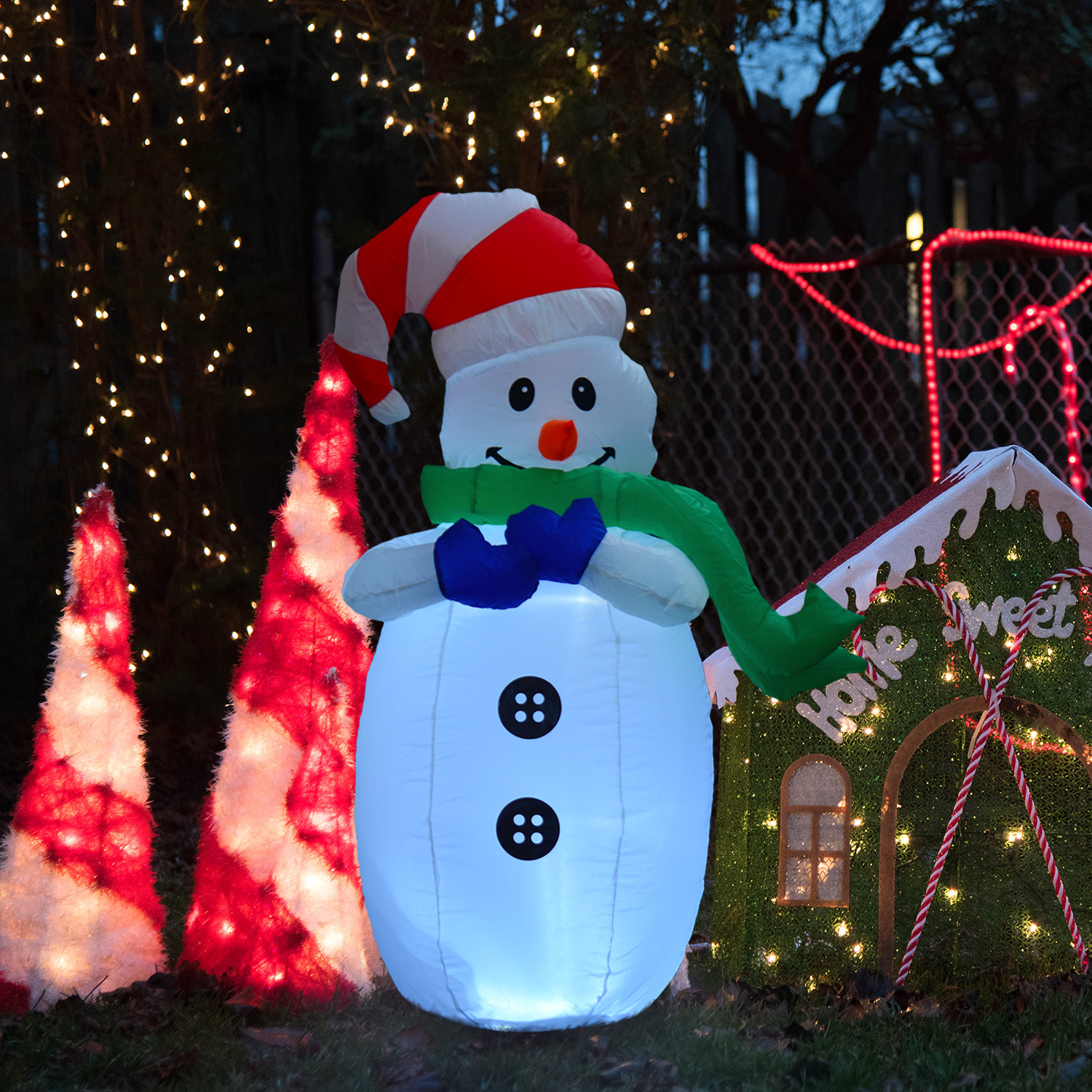 Image of £22.99 HOMCOM Inflatable Christmas Snowman 120 cm W/LED Lights / Standing Decoration Large Waterproof 120cm Tall with LED and Inflator LEDs for Outdoor Decor 844-113 5056029896457