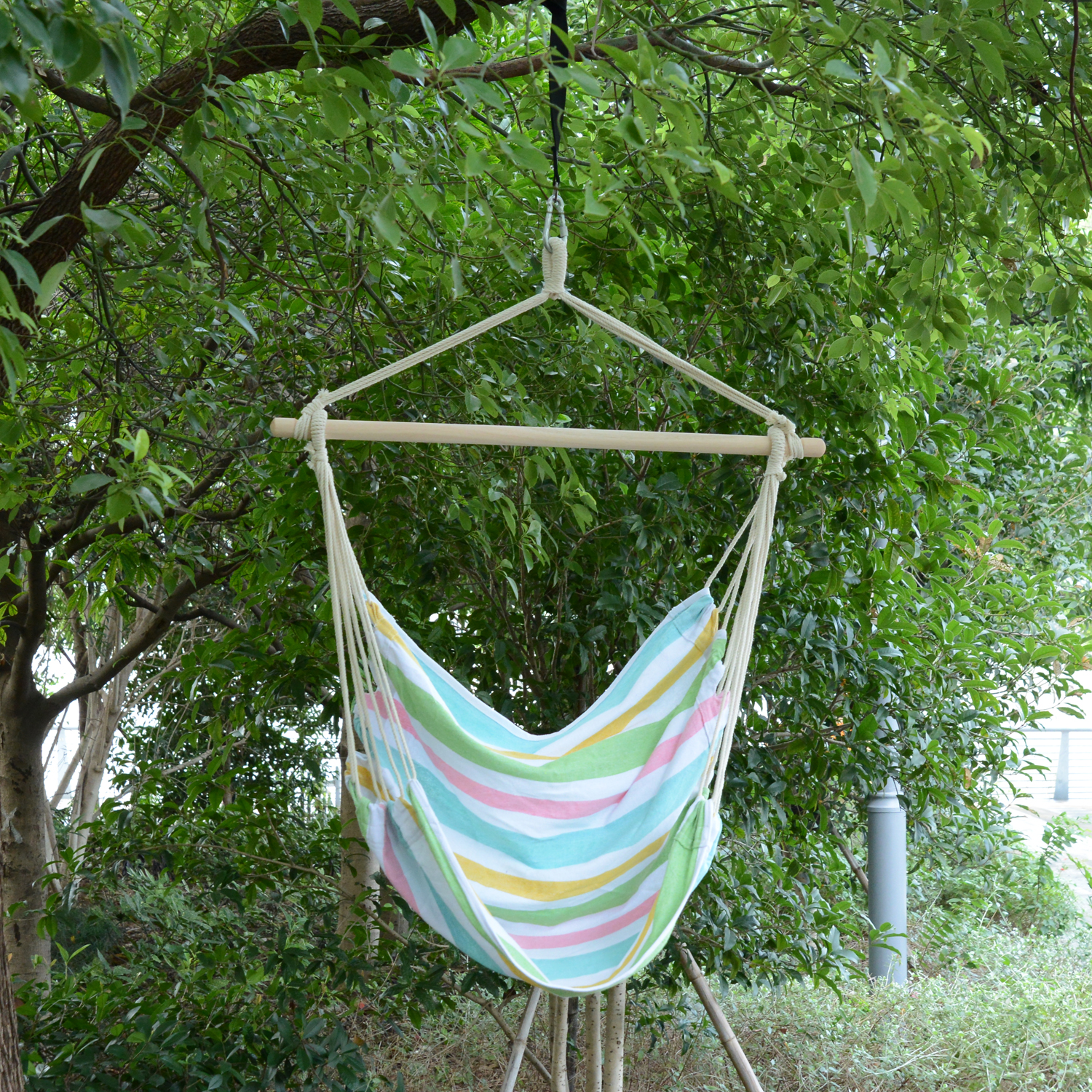 Image of £15.99 Outsunny Hanging Swing Chair, Cotton Cloth Size: 100Lx90W cm / Outdoor Hammock Rope Chair Garden Yard Patio Seat Wooden w Ropes (Green) Green 84A-017GN 5056029890424